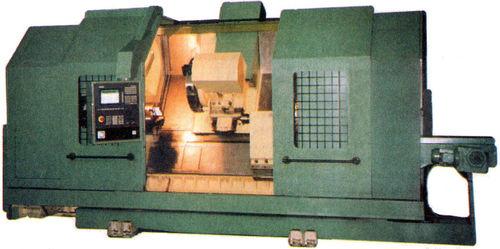 Токарный патронно-центровой полуавтомат 1757Ф3